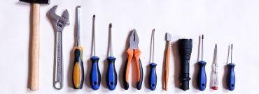 10 narzędzi, które przydadzą się każdemu majsterkowiczowi – twój pomysł na prezent dla faceta