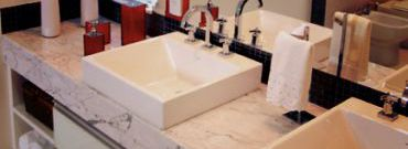 Blat w łazience – wybór odpowiedniego materiału