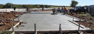 Budowa płyty fundamentowej – konkurencja dla tradycyjnych ław