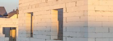 Ceramika, beton, czy może silikat?