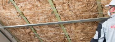 Jak ocieplić dach mineralną wełną szklaną - krok po kroku