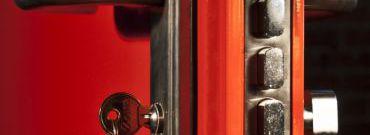 Jak wybrać drzwi antywłamaniowe?
