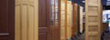 Jak wybierać drzwi wewnętrzne z drewna?