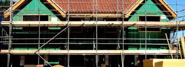 Nowy dom. Budować na własną rękę, czy kupić od dewelopera?