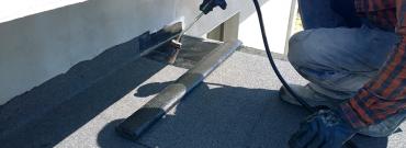 Jak naprawić dach z papy