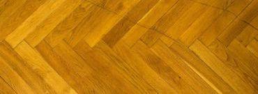 Jak wymienić podłogi w domu? Praktyczne wskazówki