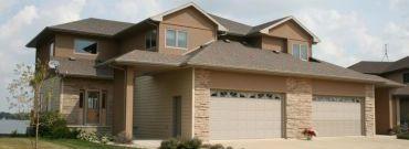 Budowa garażu. Postawić na wolnostojący, czy wbudowany w bryłę domu?