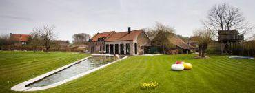 Przebudowa starej stodoły – Farmhouse Lennik