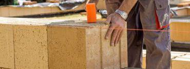 Pustaki ceramiczne wypełnione wełną – dobry pomysł na dom