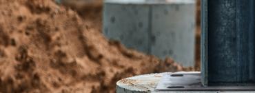 Kotwy wkręcane do betonu R-LX – szybki sposób na solidne mocowanie elementów