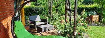 Jak zbudować drewniany taras i jak go urządzić
