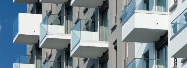 Naprawa ubytków w płytach żelbetowych na balkonie, tarasie lub loggie - instrukcja