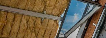 Wełna szklana a wełna mineralna – jako materiał izolacyjny
