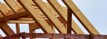Jak wykonać solidną więźbę dachową
