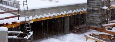Zimowe prace na budowie