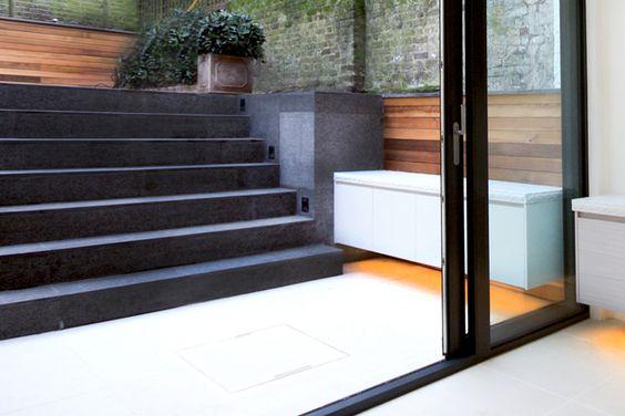 Tylko na zewnątrz Materiał na schody zewnętrzne - płytki, kamień, a może coś innego? FZ79
