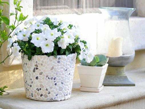 diy-rock-covered-bucket1