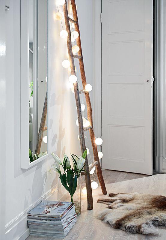 Inne formy oświetlenia - oświetlenie obok lustra